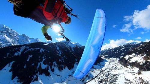 Paragliding Winter